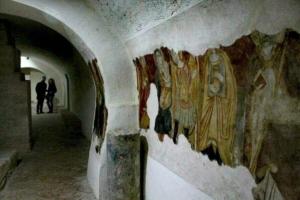 Cripata con opere pittoriche dell'incompiuta di Venosa