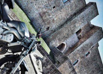 3 castelli di Federico II in un itinerario motociclistico
